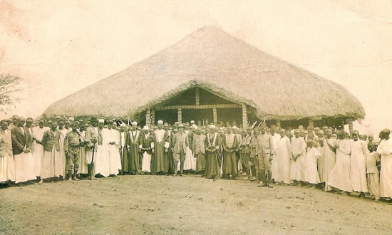 The Court of King Kasagama of Tooro. (V.Sella)